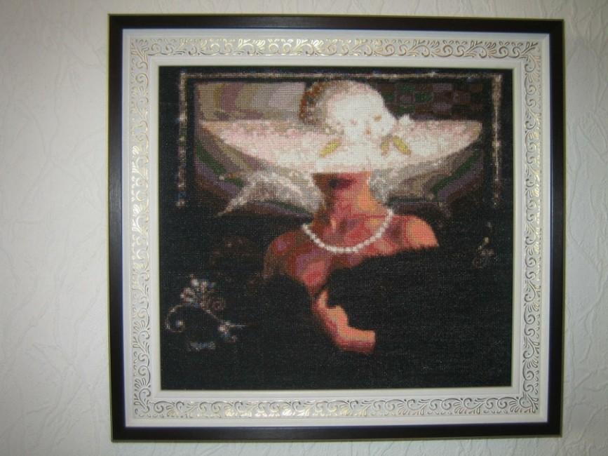 0 мм. Дама в шляпе
